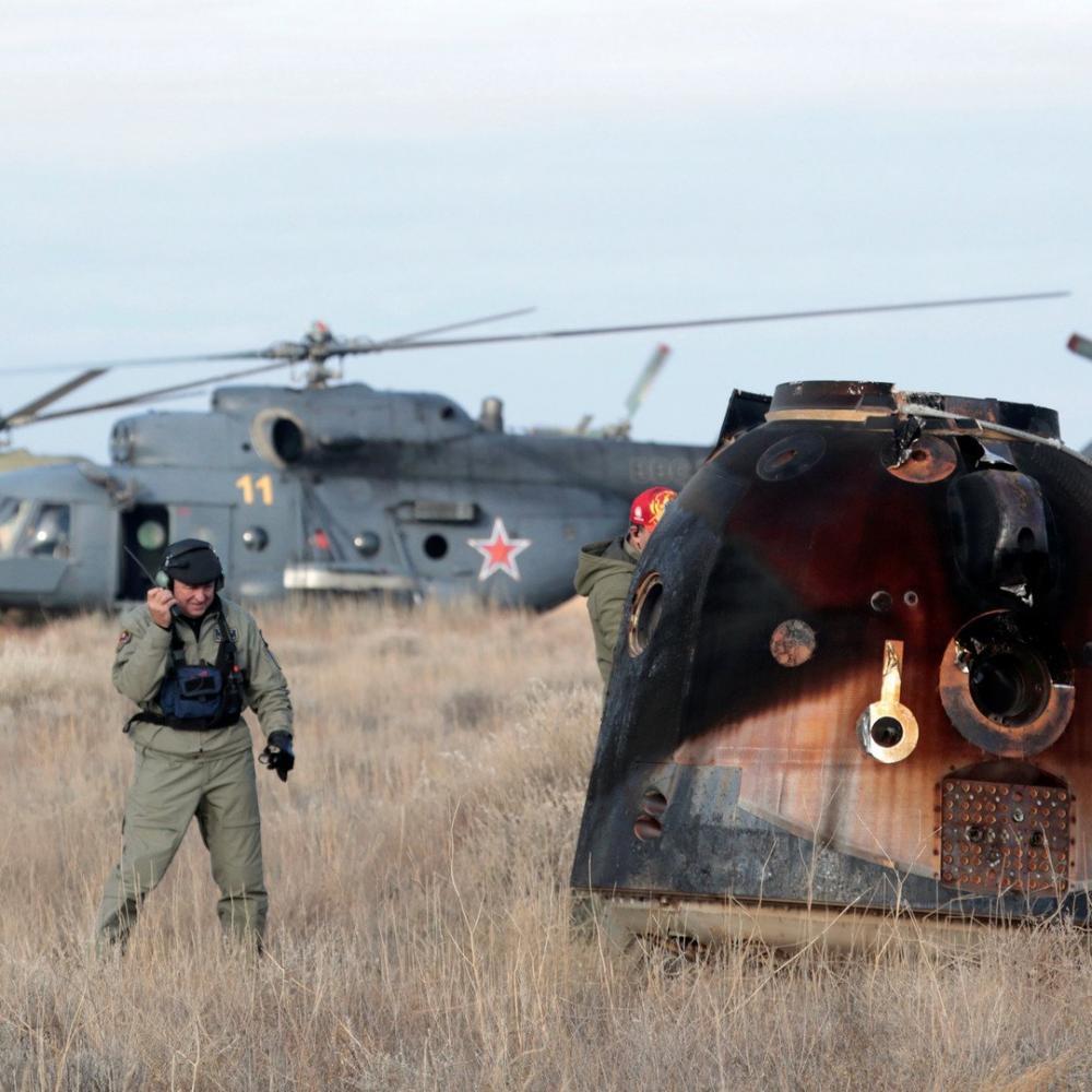 Вертолетчики из Каменска-Уральского отправились встречать космонавтов