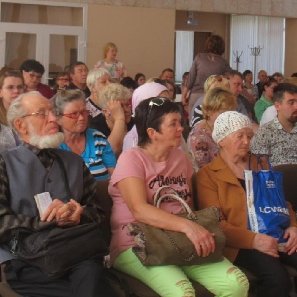 И аплодисменты... Чем завершилась в администрации Каменска-Уральского встреча с пайщиками кредитно-потребительского кооператива «Содействие»