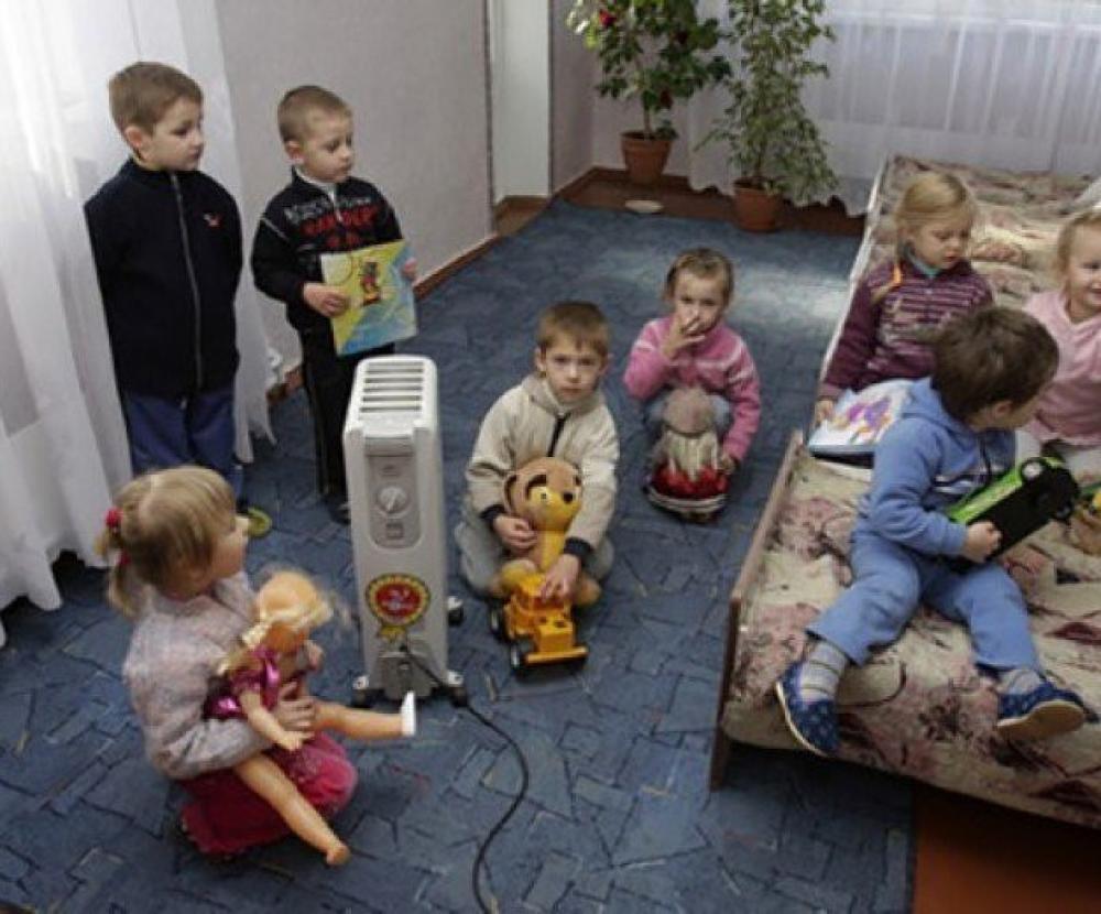 В Каменске-Уральском массово закрывают детские сады и школы