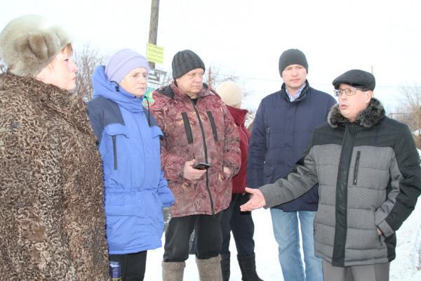 Конфликт из-за контейнеров для мусора стал поводом для схода жителей Кодинки, которая является частью Каменска-Уральского...