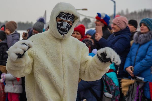 В Каменске-Уральском прошел Всемирный день снега. Фото и видеорепортаж Виртуального Каменска