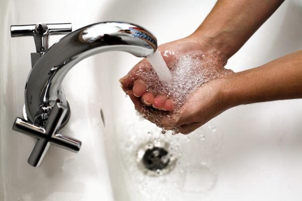 Набрались терпения? Жители Синарского района Каменска-Уральского не жалуются на снижение температуры горячей воды...