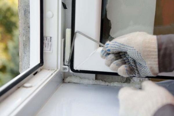 В Каменске-Уральском воры начали охоту на пластиковые окна в подъездах многоквартирных домов...