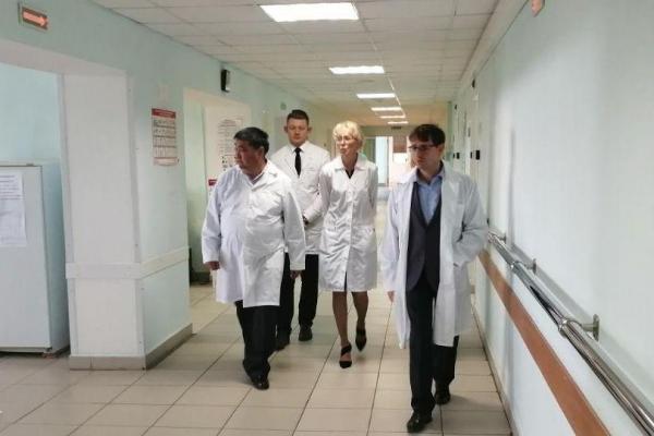 Заместитель областного министра здравоохранения похвалил городскую больницу Каменска-Уральского...