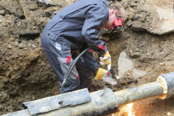 Коммунальщиков Каменска-Уральского, как и всей области, обязали ограничить плановые ремонты и сосредоточиться...