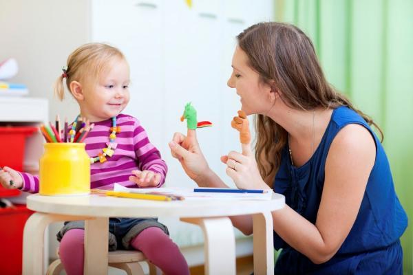 В Каменске-Уральском продолжили работать консультационные центры для родителей, чьи дети не посещают детские сады...