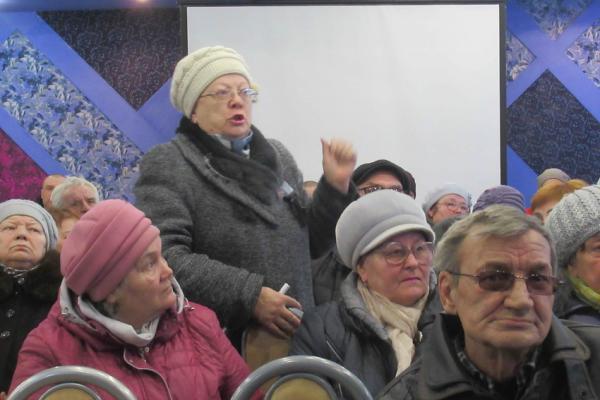 Жители Каменска-Уральского вновь попросили муниципалитет посодействовать уменьшению тарифов на вывоз мусора...