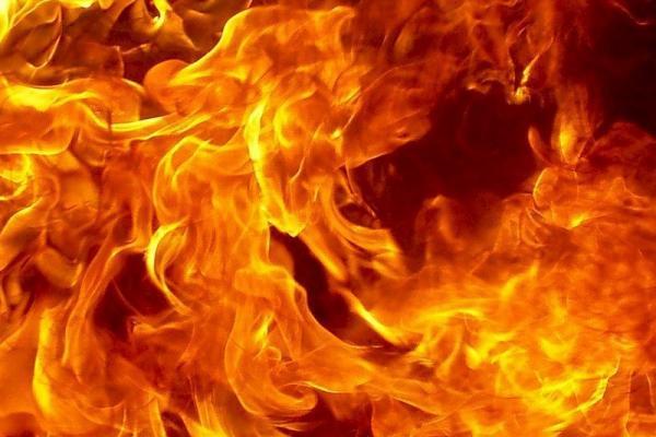 Днем 23 января под Каменском-Уральским сгорели баня и надворные постройки...