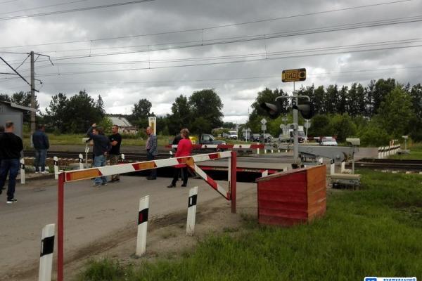 На трассе между Каменском-Уральским и Екатеринбургом, в районе Колюткино, 4 июля опять ввели реверсивное движение...