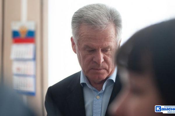 Бывший мэр Каменска-Уральского Михаил Астахов в 2018 году заработал шесть с половиной миллионов рублей...