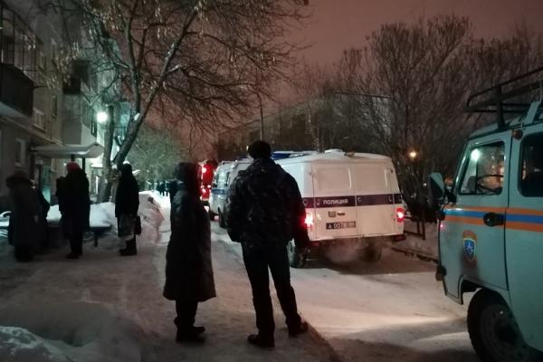 24 января в Каменске-Уральском в многоквартирном доме от взрыва пострадало две квартиры. ВИДЕО...