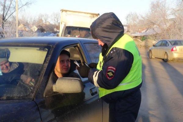 Один пьяный за рулем, трое — без права. Итоги рейд «Стоп-контроль» в Каменске-Уральском сегодня утром...