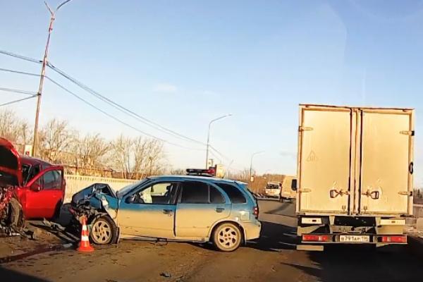 В Каменске-Уральском произошло страшное ДТП. Трое пострадавших...