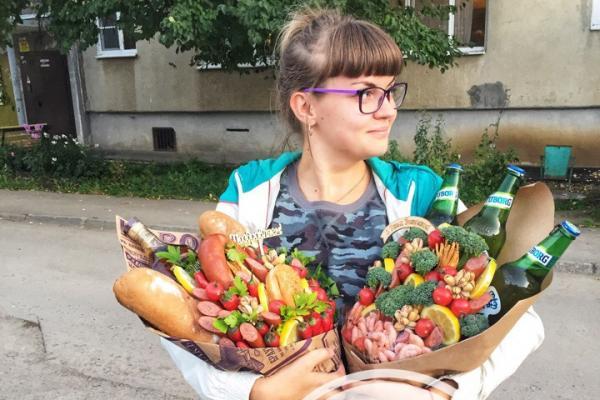 Каменский мастер «съедобной флористики» Дарья Каргаполова рассказала о том, как...
