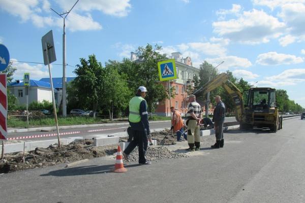 В Каменске-Уральском продолжается ремонт дорог. Что успели сделать, где еще пройдут работы...