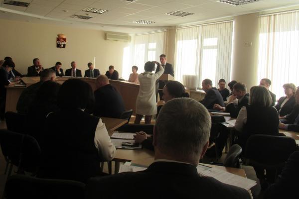 В Каменске-Уральском утвердили список тех, кто вправе составлять протоколы на...