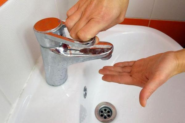Два с половиной десятка домов в выходные останутся без холодной воды в Каменске-Уральском...