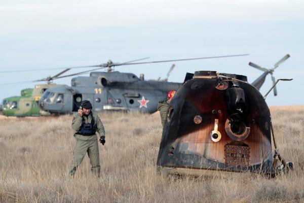 Вертолетчики из Каменска-Уральского отправились встречать космонавтов...