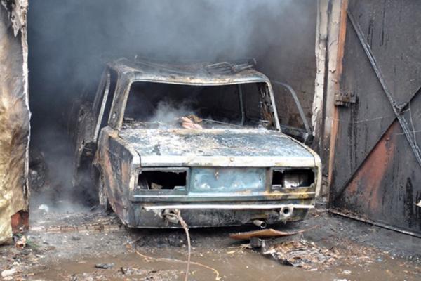 В Каменске-Уральском днем 20 ноября опять горела легковушка...