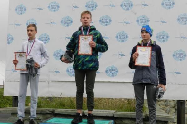 Тимофей Ефремов из Каменска-Уральского стал вторым в областном кроссе лыжников...
