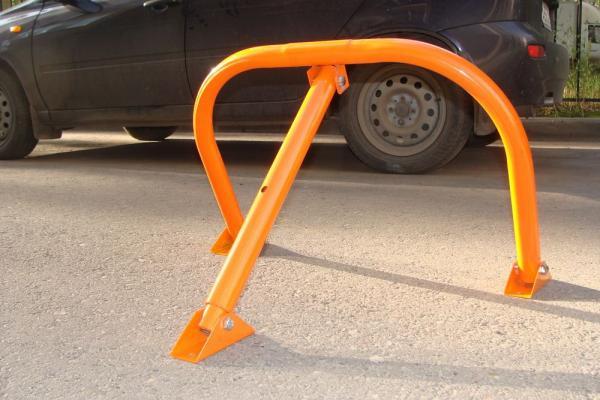 В Каменске-Уральском объявили войну «лягушкам» на парковках во дворах...