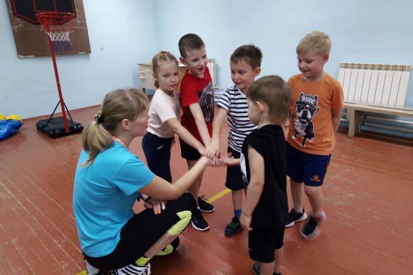 В Каменске-Уральском открылась баскетбольная школа для самых юных спортсменов...