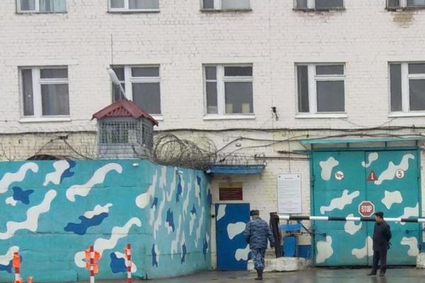 На деньги бизнесменов из Китая в колонии Каменска-Уральского будут выпускать одноразовую посуду...