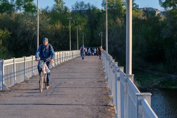 На проект ремонта пешеходного моста через реку Исеть в Каменске-Уральском потратят 2,2 млн. рублей...