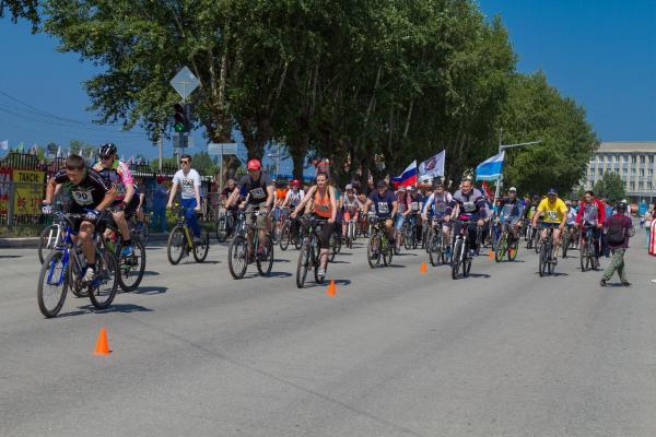 Синарский трубный завод приглашает неравнодушных каменцев принять участие в благотворительном велопробеге «Спешим с добром»!