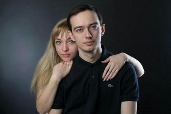 """Александра Отрезова: каменская вокалистка рассказала о том как """"спелась"""" с мужем"""
