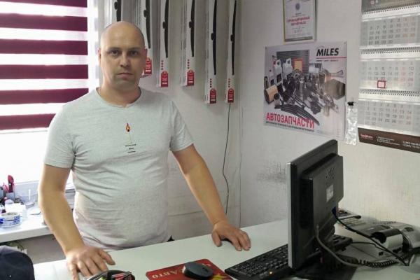 Роман Третьяков, директор магазина автозапчастей Чин@Авто: свое дело — это ответственность, поэтому руки опускать нельзя