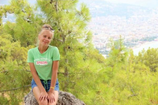 Алёна Стафеева: о любви к сладостями и о собственной мастерской подарков в Каменске