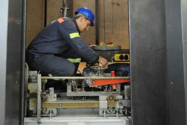 Определены дома в Каменске-Уральском, в которых будут менять лифты в 2020 году...
